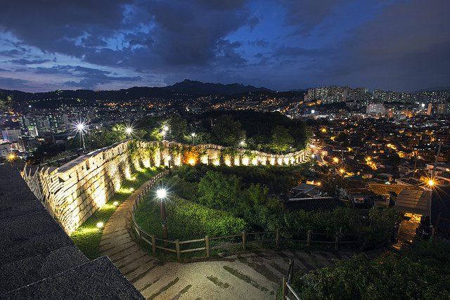 Hiking in Seoul at night - Seoul Fortress Wall