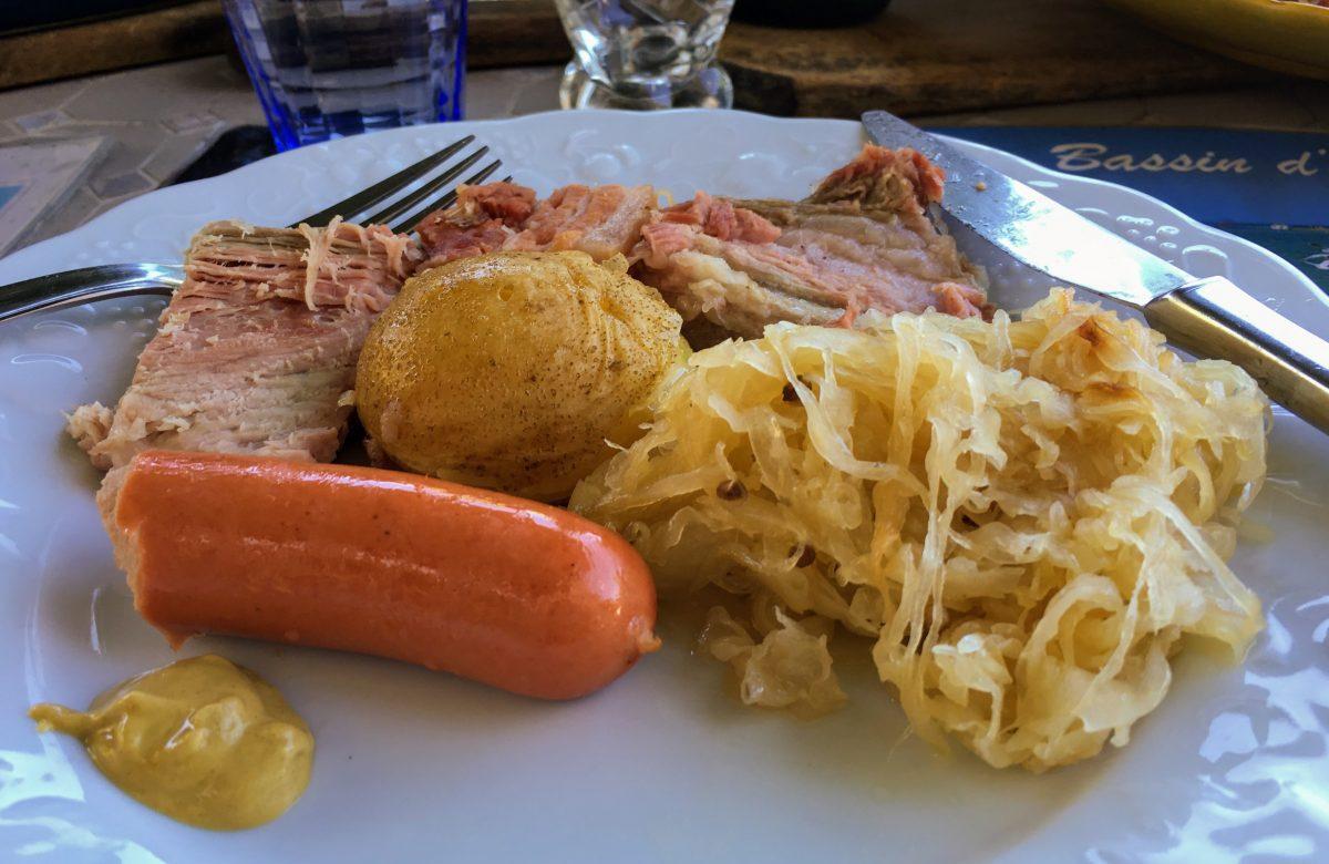 alsatian food choucroute garnie