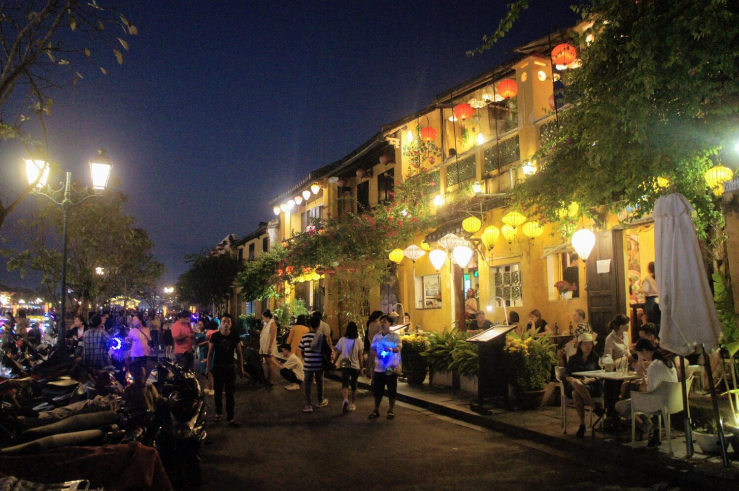 riverside buildings in hoi an ancient town lit by lanters